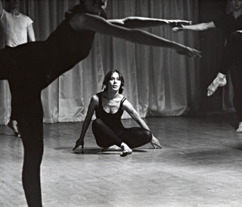 <em>Early Works</em> d'Yvonne Rainer