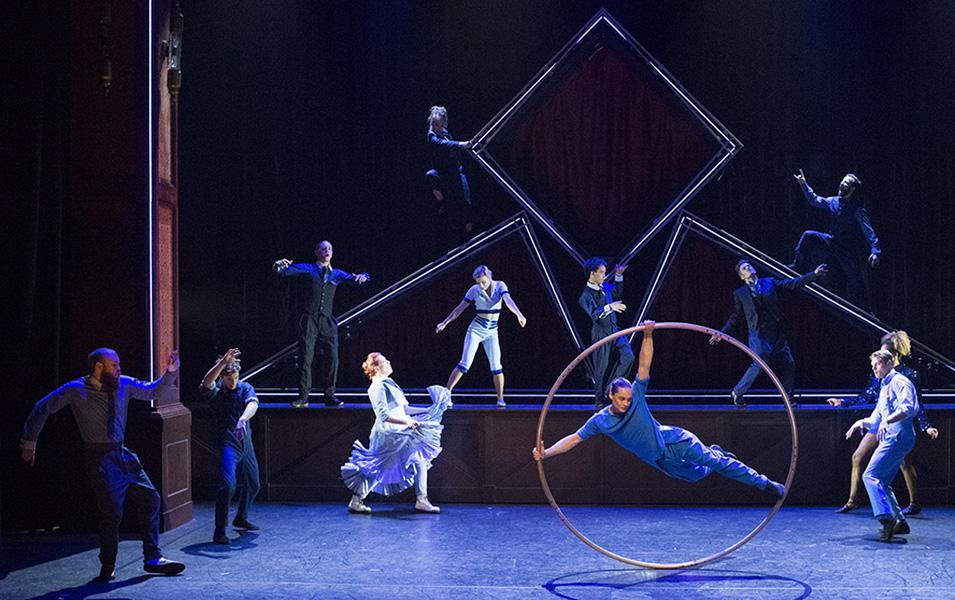 photo Spectacle Hôtel du Cirque Eloize